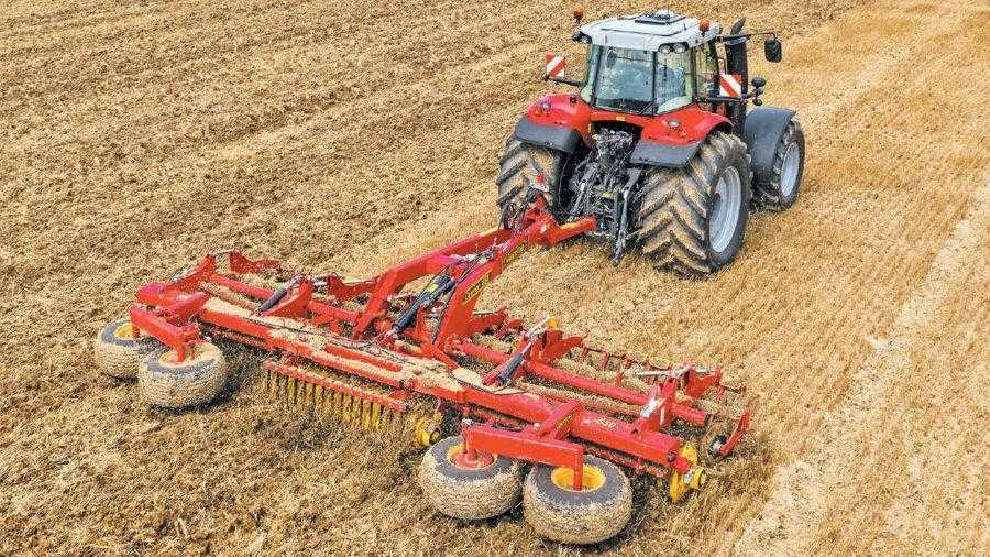 Carrier – універсальний агрегат, який можна використовувати як для обробітку стерні, так і підготовки насіннєвого ложа чи розпушування ґрунту