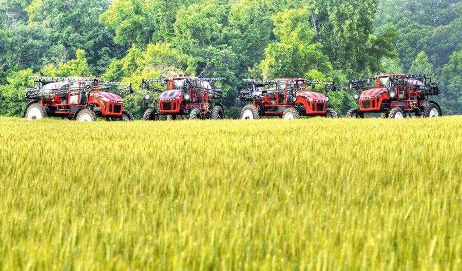 Рекомендації більшості виробників сільгоспмашин зводяться до того, що робоча швидкість польового обприскувача не повинна перевищувати 20 км/год