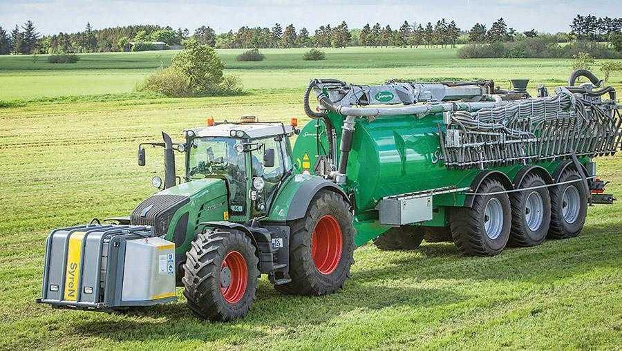 Система SyreN дозволяє вводити концентровану сірчану кислоту з фронтально навішаного на трактор бака безпосередньо в потік гноївки, що вноситься на поле