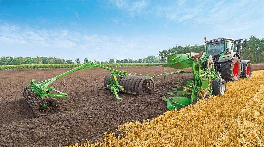 Технологія основного обробітку має вирішальне значення в отриманні врожаю соняшнику. Найбільш поширеним залишається полицевий обробіток ґрунту