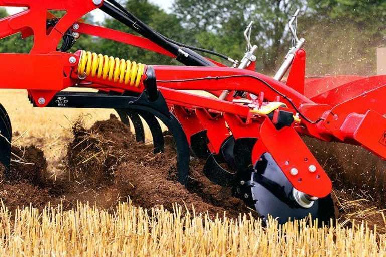 Водний режим у посівах соняшнику залежно від обробітку ґрунту та удобрення