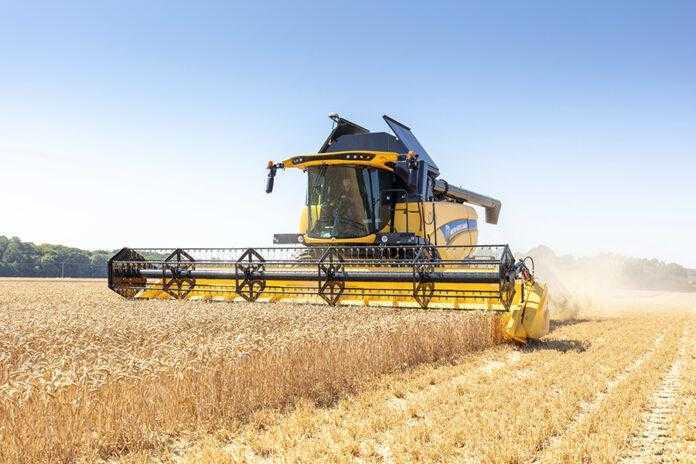 Потрібен ефективний зернозбиральний комбайн – зверніть увагу на New Holland