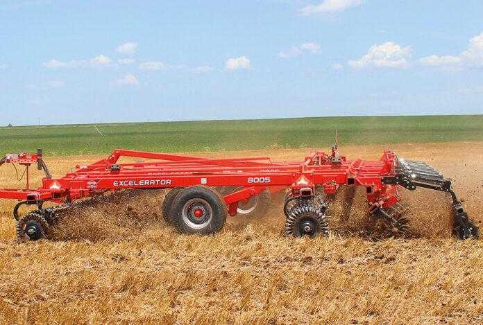 Excelerator від Kuhn для вертикального обробітку ґрунту